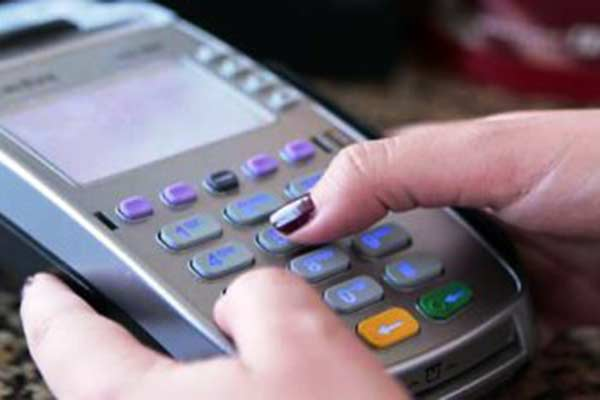 Deltanos obvian el pago de comida con dinero en físico, que ahora usan para  pagar pasaje – Tane tanae Así Pasó