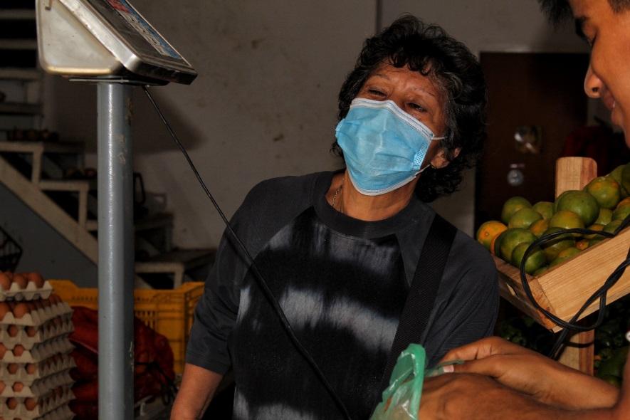 Mi gente en fotos: en la verdulería de Rosa Leones y José Flores